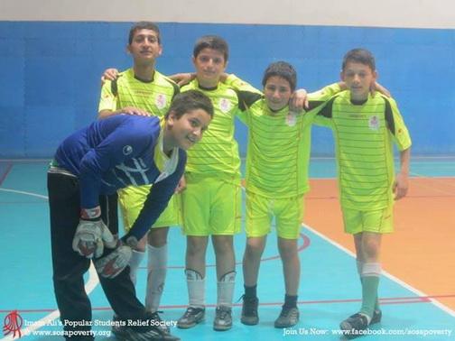 http://khaneelmedarvazeghar.persiangig.com/92-Aks/Aks/Football/92.09.15/1%20%2812%29.jpg